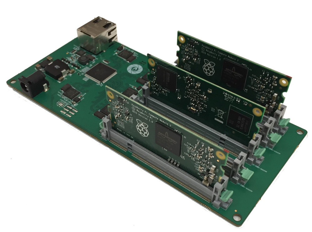 Cluster board supports up to five Raspberry Pi CM3 modules with