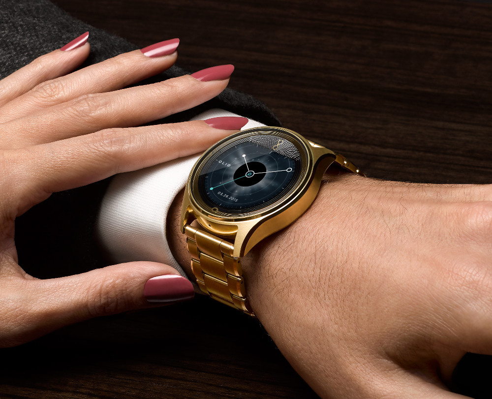 Linux smartwatch offers luxury stylings and a novel interface