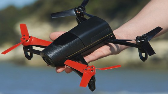 Drone quadrocopter boasts 14MP camera, runs Linux